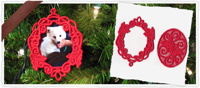 Holly Wreath Photo Ornament (Lace)