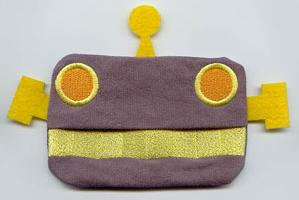 Sneezy Robot Tissue Holder (In the Hoop)_image