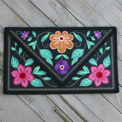 Bohemian Blooms Leather Clutch (In-the-Hoop)_image